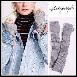 FREE PEOPLE LONG RIBBED FINGERLESS GLOVES A2C